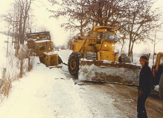 Near Simco-Peabody U.G.  Blizzard of 1978 - Bob Green pictured.